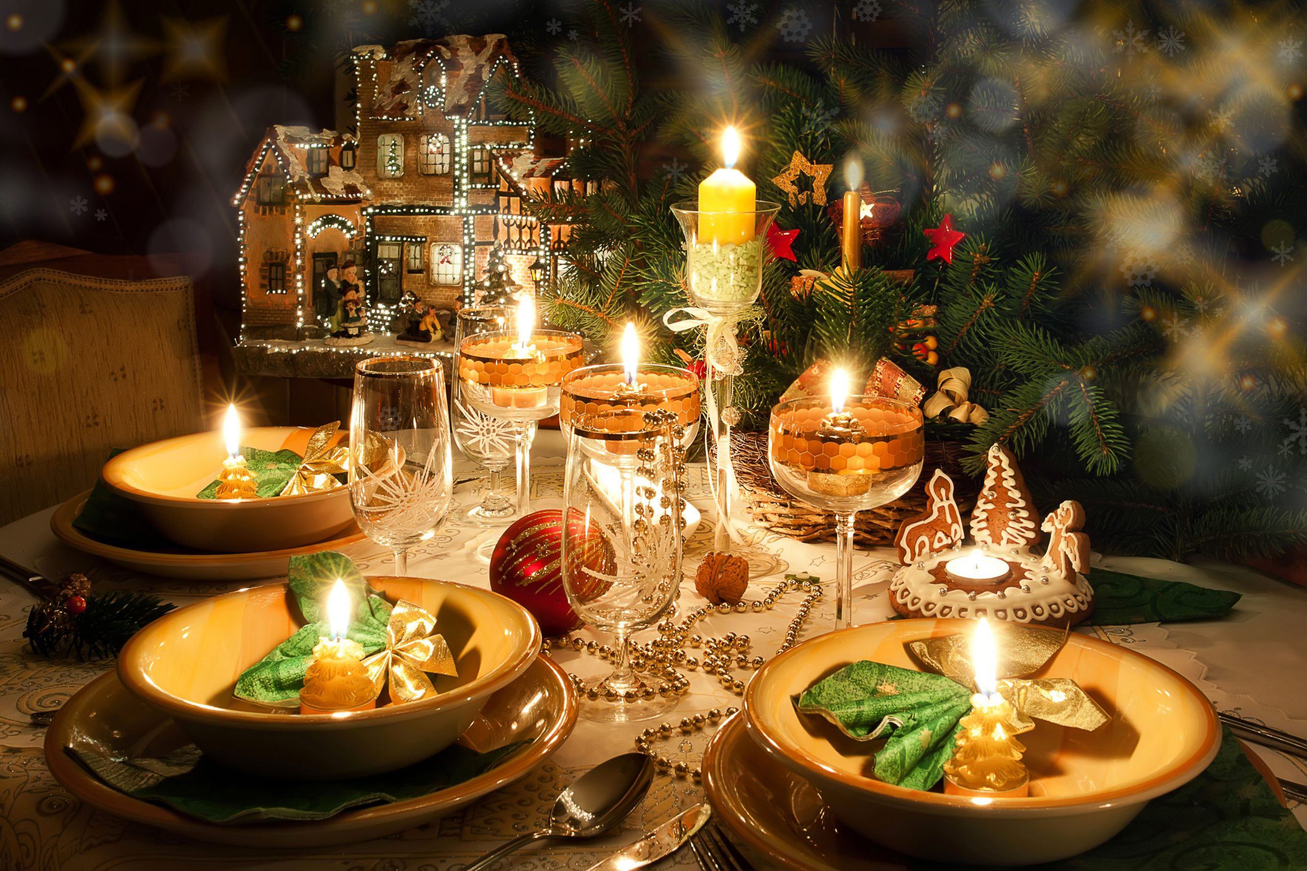 https://cloud.pulse19.ru/uploads/2019/12/christmas_holidays_table_510710-scaled.jpg
